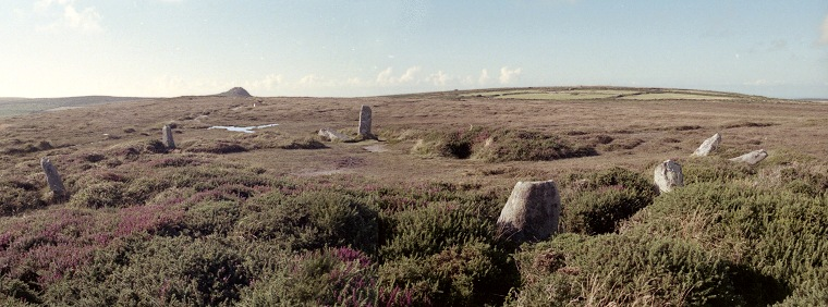 http://www.stone-circles.org.uk/stone/images/boskednan%20view.jpg